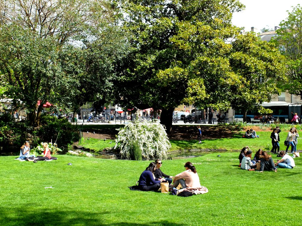 bordeaux-jardin-place-gambetta_blog detours du monde