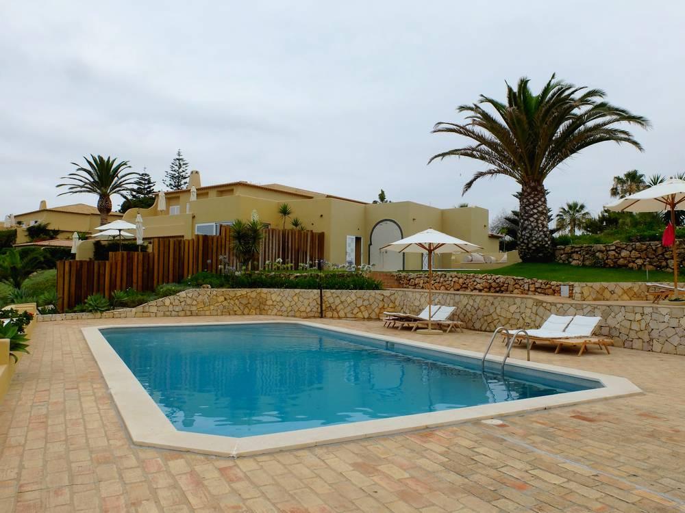 vila joya pool