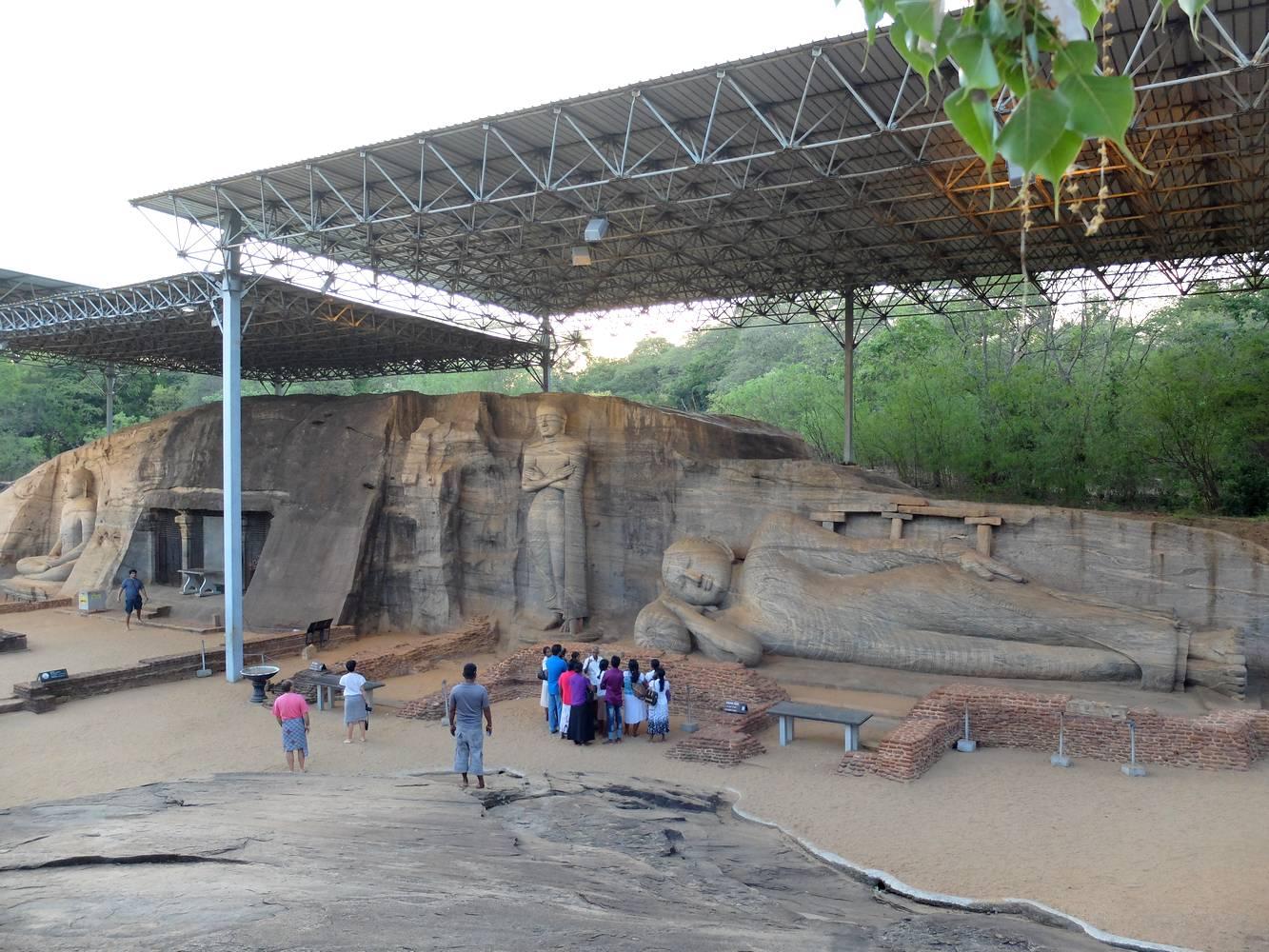 polonnaruwa bouddha couche