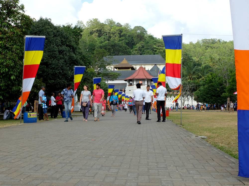 kandy buddhist festival