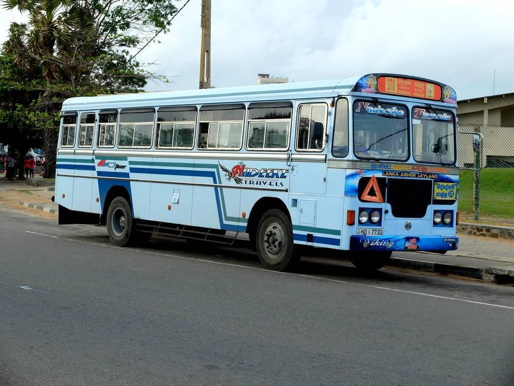 local bus sri lanka